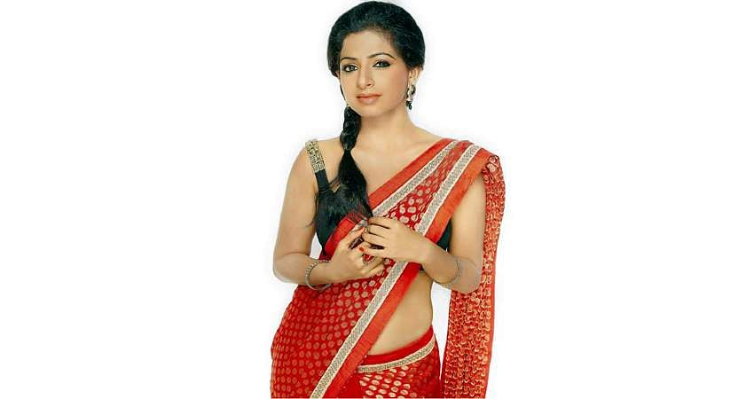 Aishwarya-Menon-6
