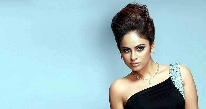 Actress-Nanditha-Stills-14