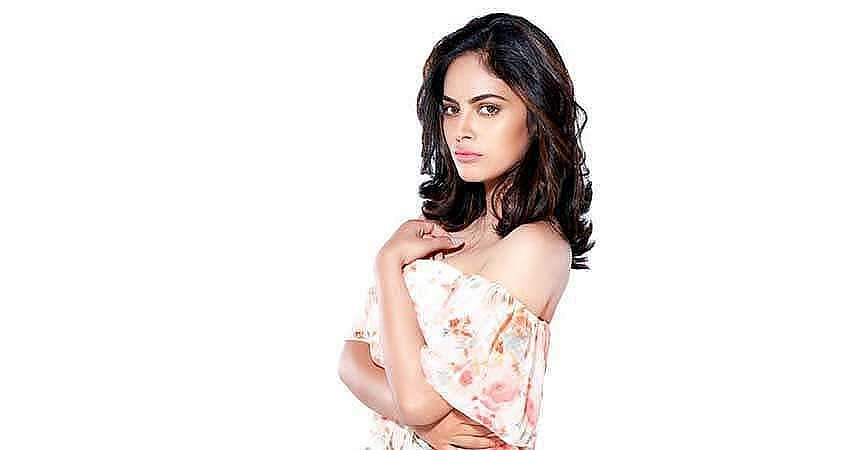 Actress-Nanditha-Stills-6