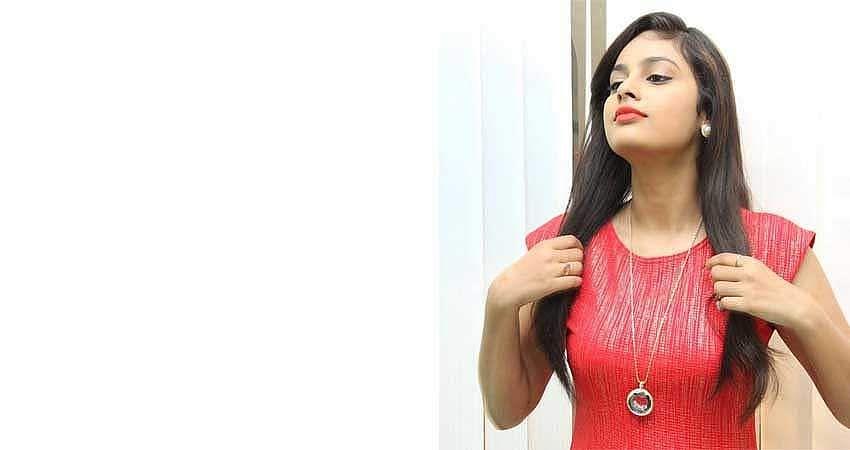 Actress-Nanditha-Stills-7