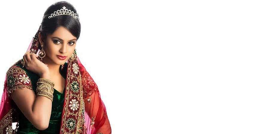 Actress-Nanditha-Stills-9