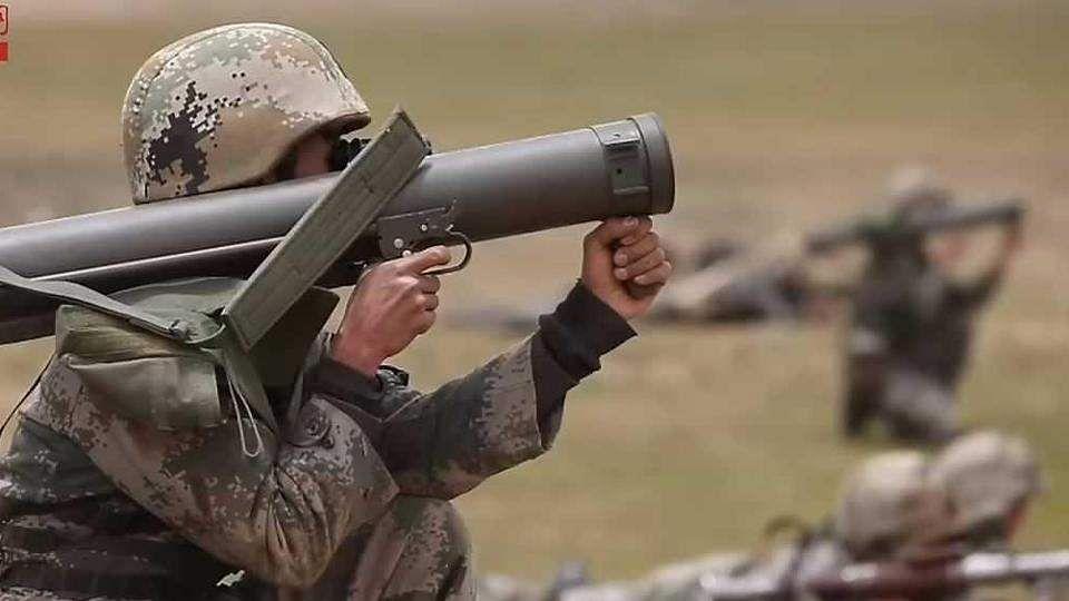 40 நாள் போருக்கு ஆயுதங்களை தயாா்படுத்துகிறது ராணுவம்! China_military_drill