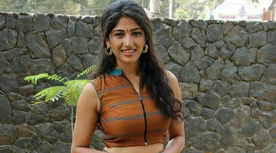 Actress-Roshni-Prakash-1