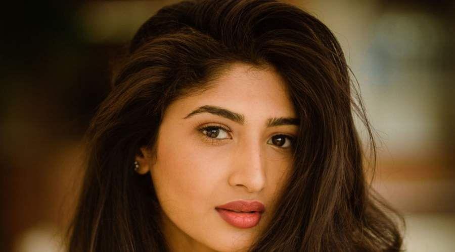 Actress-Roshni-Prakash-15