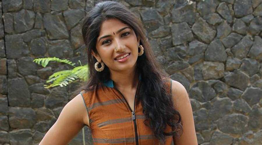 Actress-Roshni-Prakash-2
