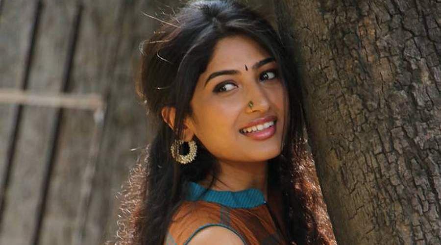 Actress-Roshni-Prakash-6