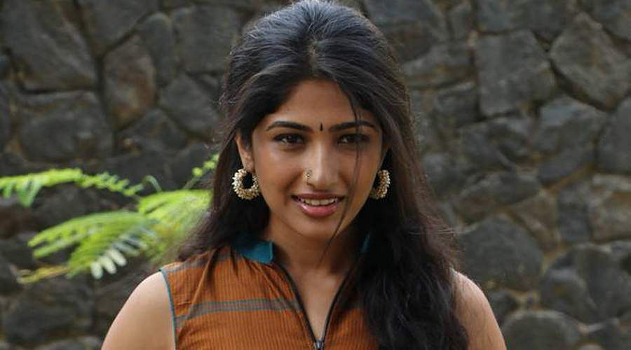 Actress-Roshni-Prakash-8