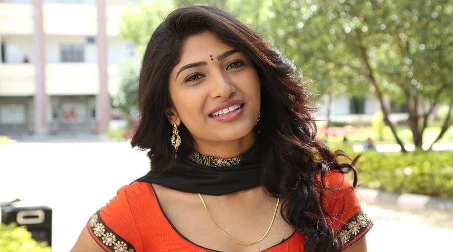 Actress-Roshni-Prakash-9