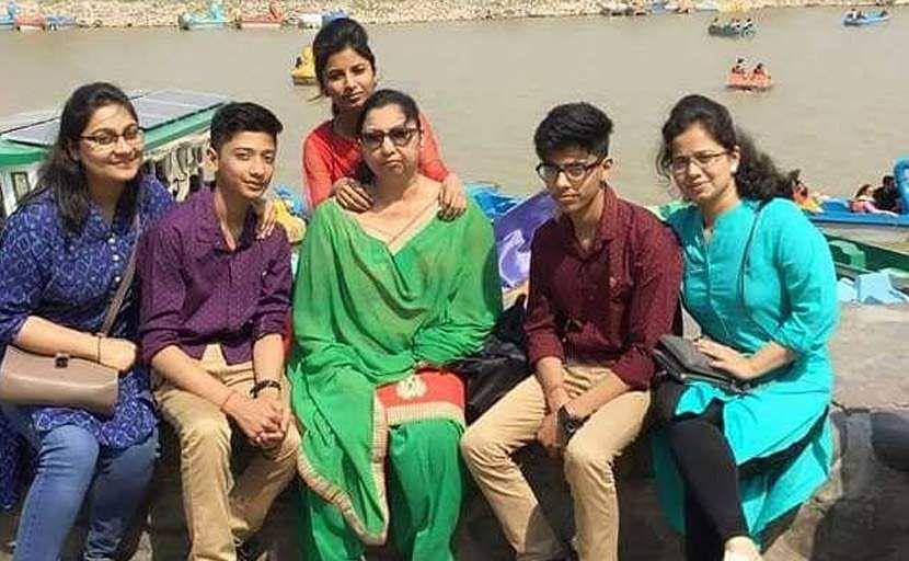 burari-family