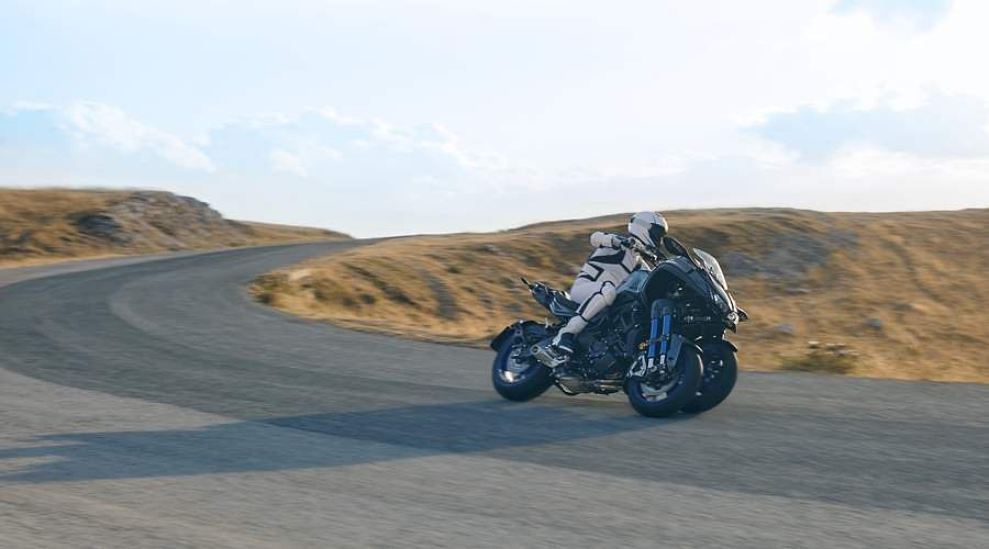 2018-Yamaha-MXT850-EU-Graphite-Static-20