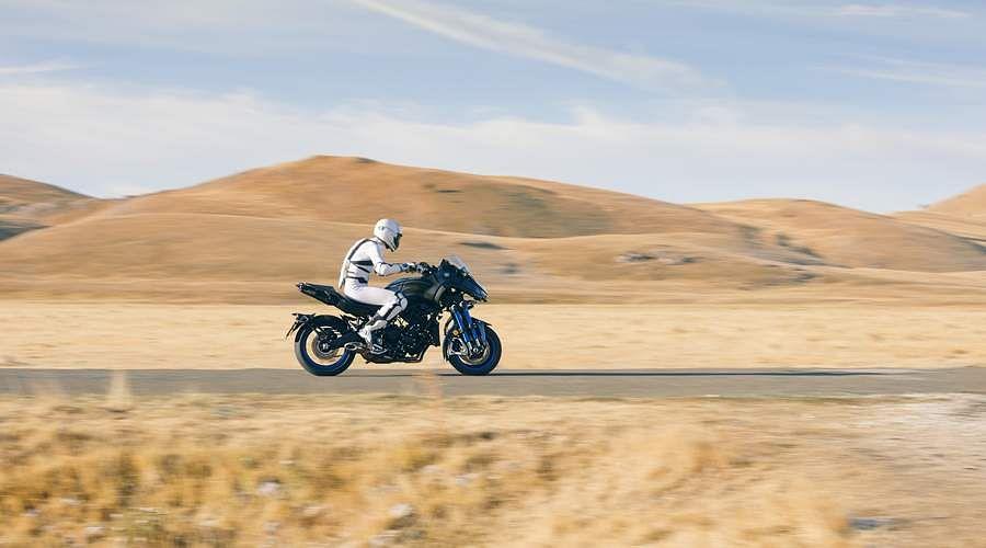 2018-Yamaha-MXT850-EU-Graphite-Static-22