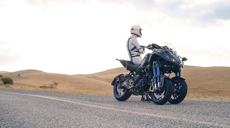 2018-Yamaha-MXT850-EU-Graphite-Static-4