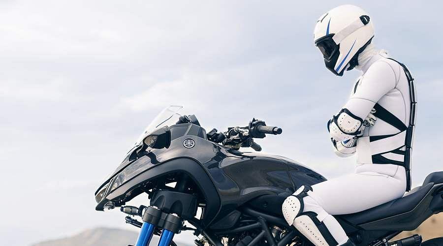 2018-Yamaha-MXT850-EU-Graphite-Static-5