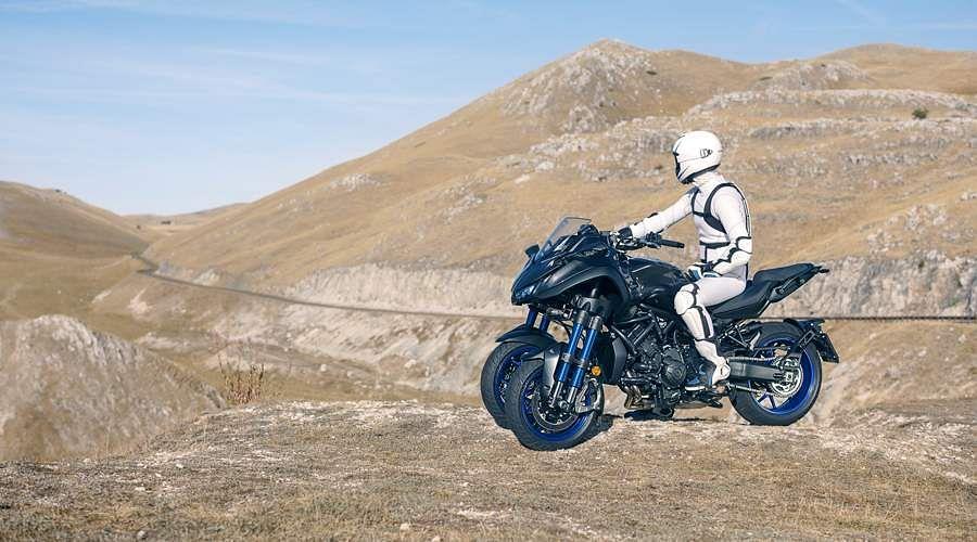 2018-Yamaha-MXT850-EU-Graphite-Static-9