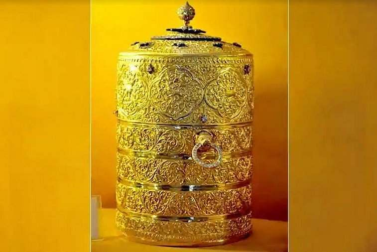 0000nizams_golden_box