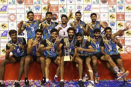 karnataka-winning-cup