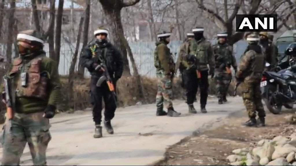 Encounter_underway_between_security_forces_and_terrorists_in_Gulshanpora_2