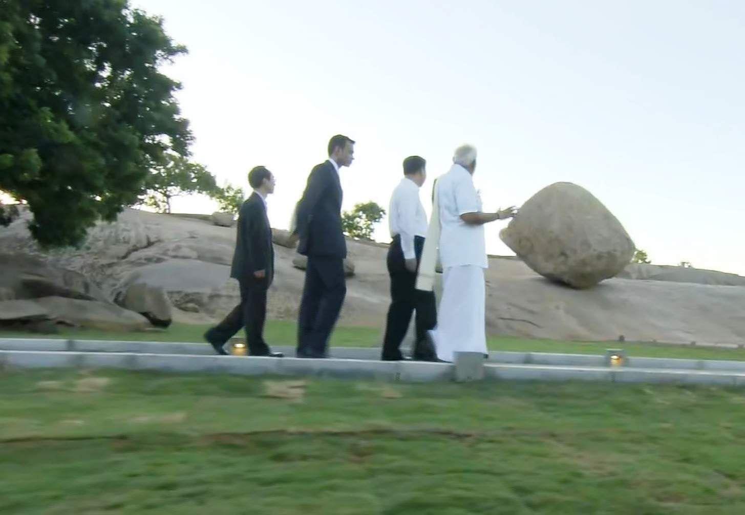 PM_Modi_in_Tamil_Traditional_dress_Veshti_and_Shirt_12