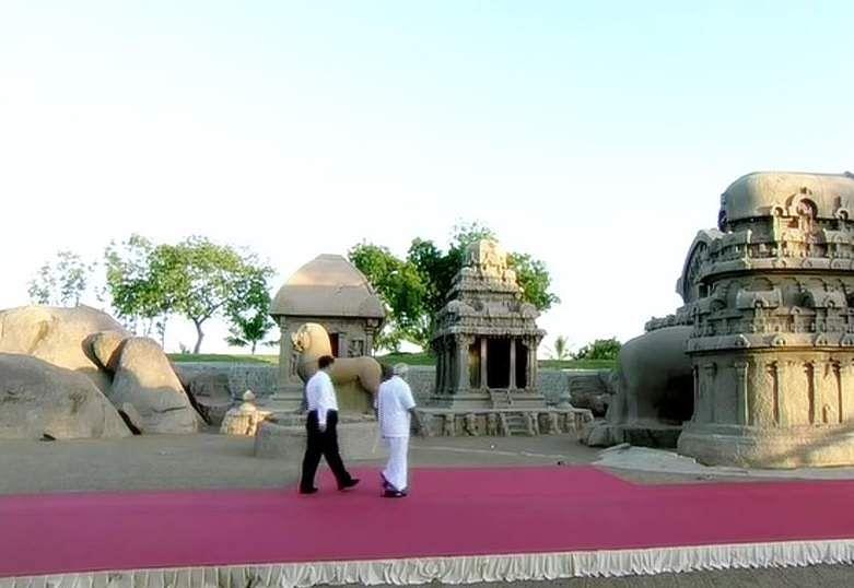 PM_Modi_in_Tamil_Traditional_dress_Veshti_and_Shirt_18