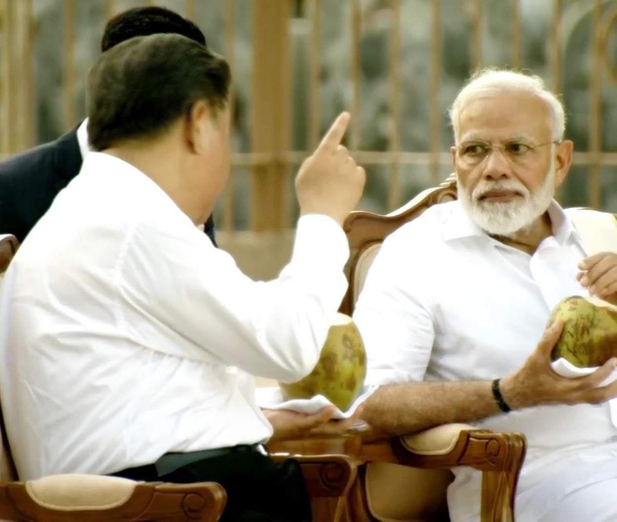 PM_Modi_in_Tamil_Traditional_dress_Veshti_and_Shirt_24