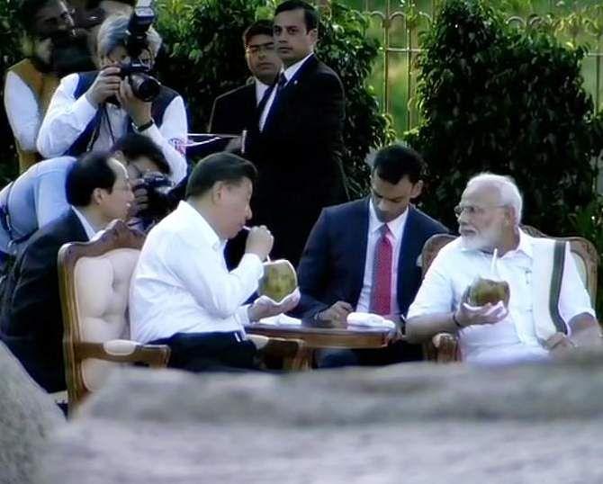PM_Modi_in_Tamil_Traditional_dress_Veshti_and_Shirt_26