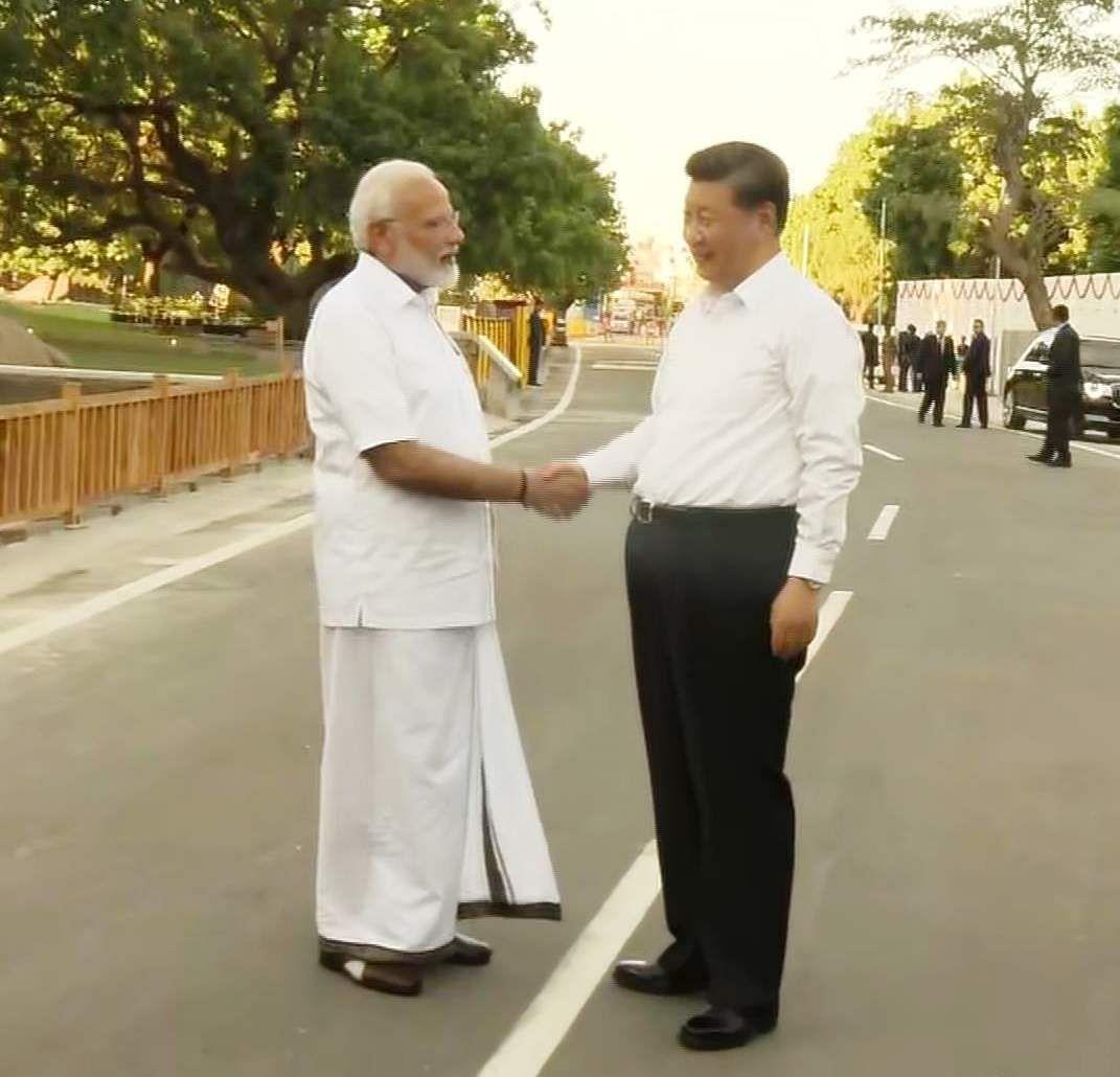 PM_Modi_in_Tamil_Traditional_dress_Veshti_and_Shirt_4