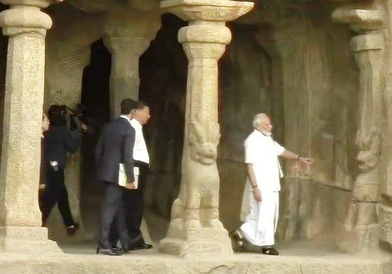 PM_Modi_in_Tamil_Traditional_dress_Veshti_and_Shirt_8