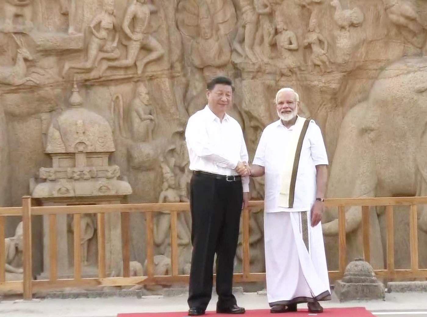 PM_Modi_in_Tamil_Traditional_dress_Veshti_and_Shirt_9