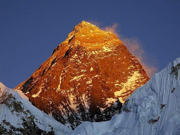 Nepal_and_China_have_jointly_agreed_to_announce_the_re-measured_height_of_Mount_Everest