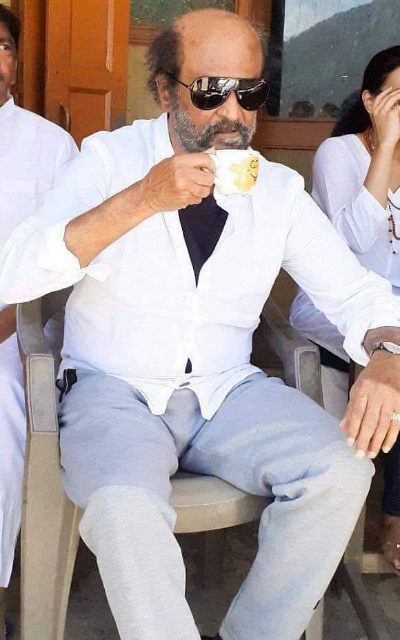 Rajinikanth_in_himalayas_14