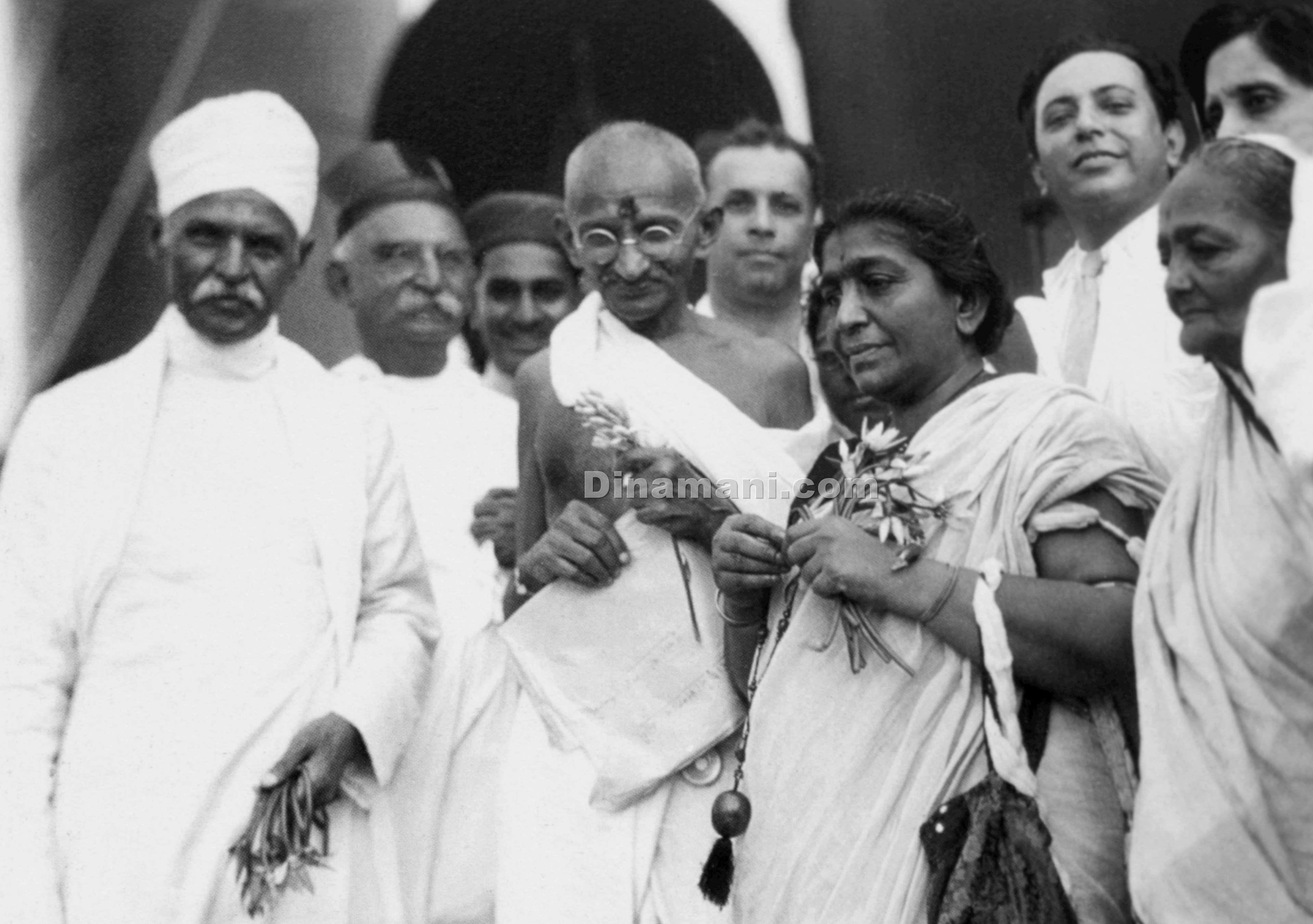 Gandhi_150_rare_old_photos_of_Dinamani_25