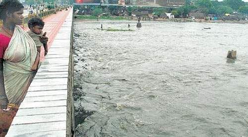 flood alert in kosasthalai