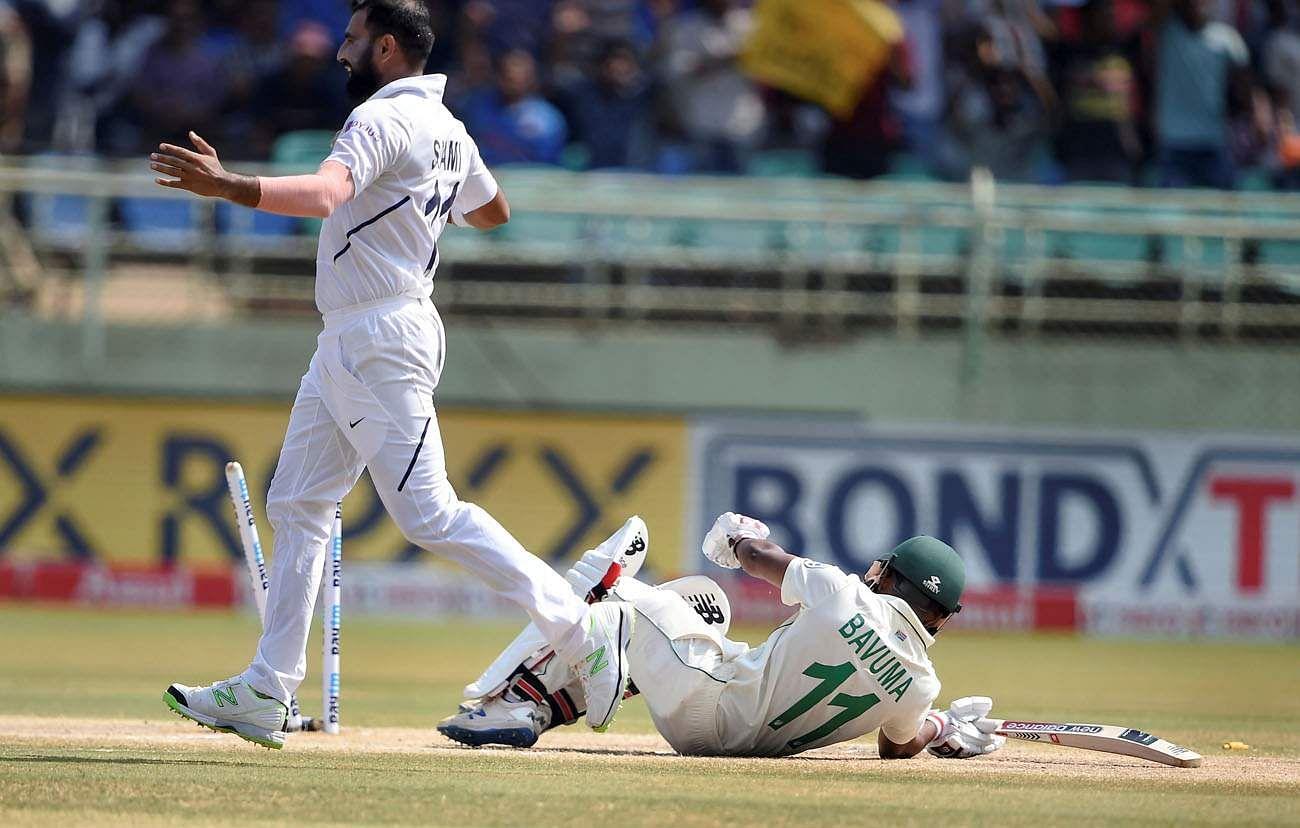 Bavuma_falls_after_bowled