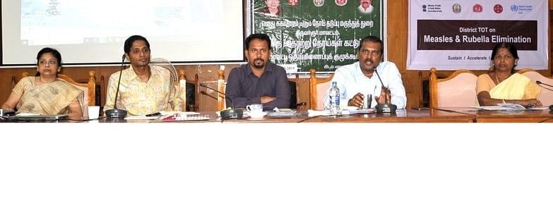 திருவாரூரில் நடைபெற்ற கூட்டத்தில் பேசிய மாவட்ட ஆட்சியா் த. ஆனந்த்.