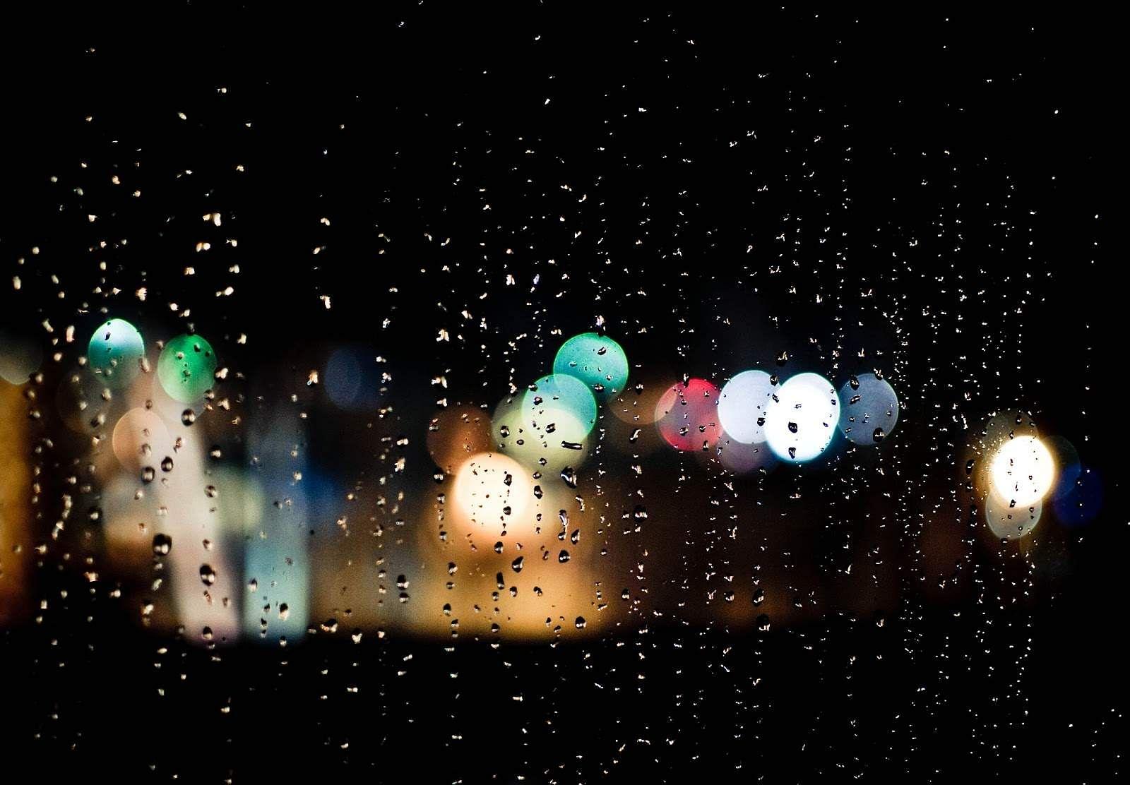 A-Rainy-Night-Background-For-Desktop