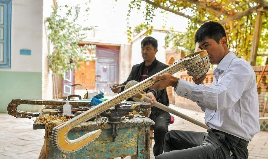 china_music_instrument_village_1