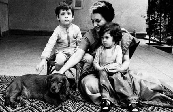 indira gandhi with his grand children