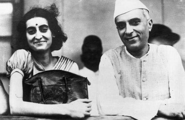 indira_with_pappa_nehru