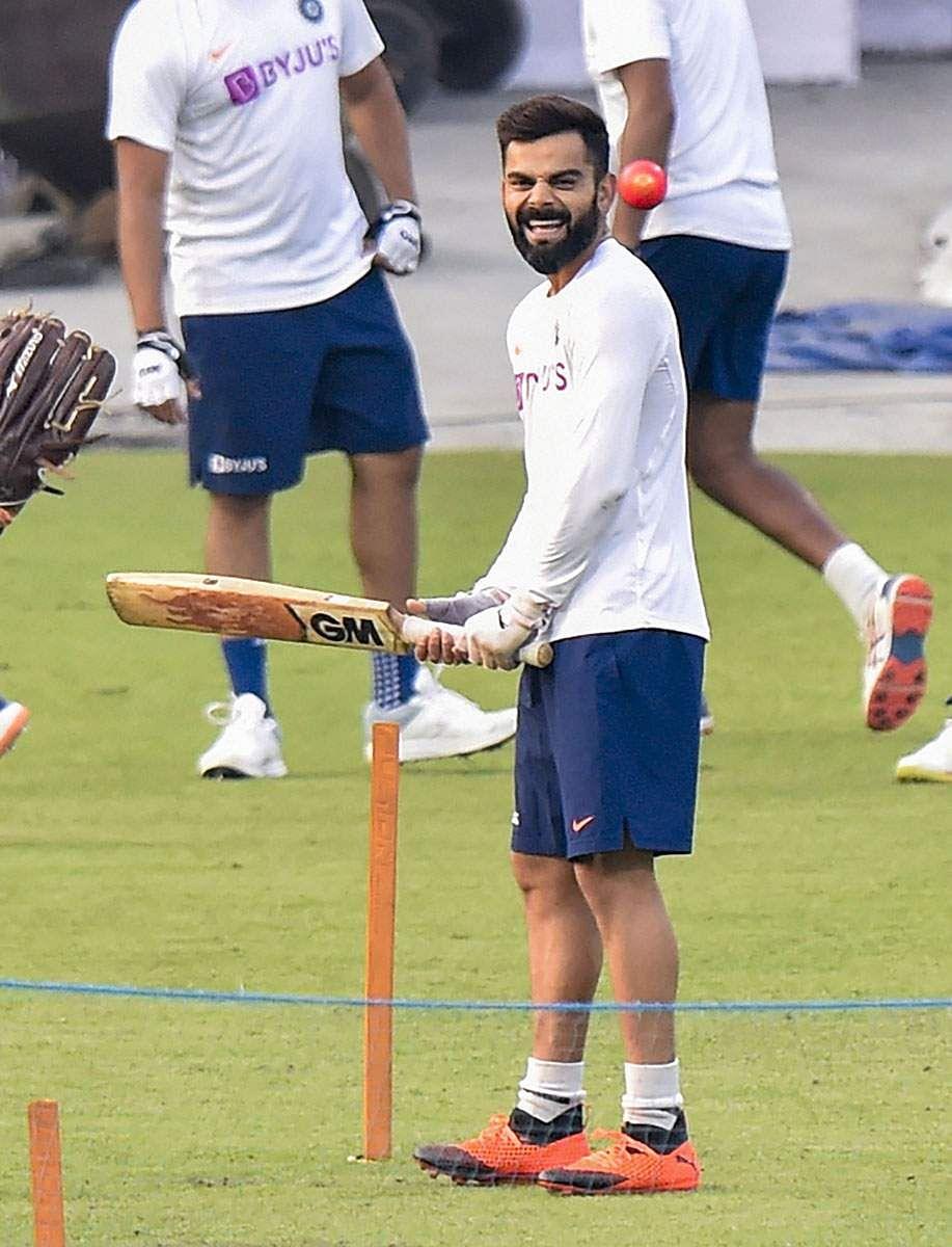 Kohli_bat_practice