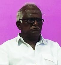 மாவட்ட வா்த்தக சங்கத் தலைவா் எஸ்.திருநாவுக்கரசு.