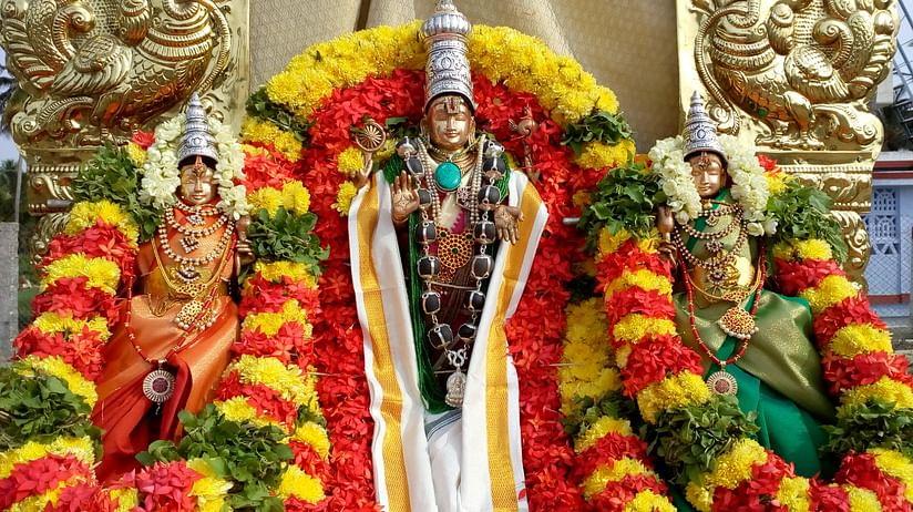 ஸ்ரீ தேவி, பூதேவி சமேத ஆதிமூா்த்தி பெருமாள்.