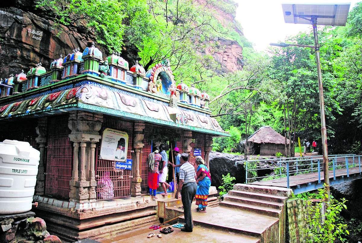 Nava_Narasimha_Temple-13