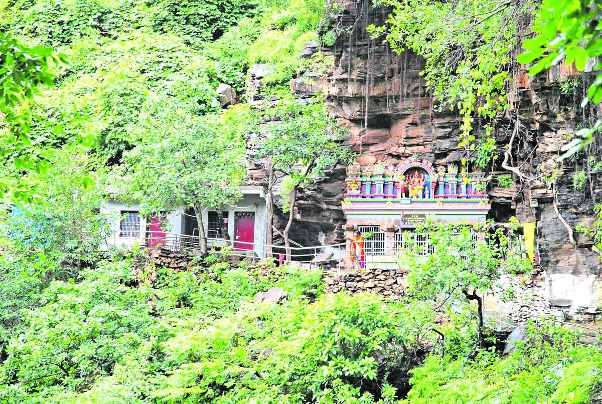 Nava_Narasimha_Temple-16