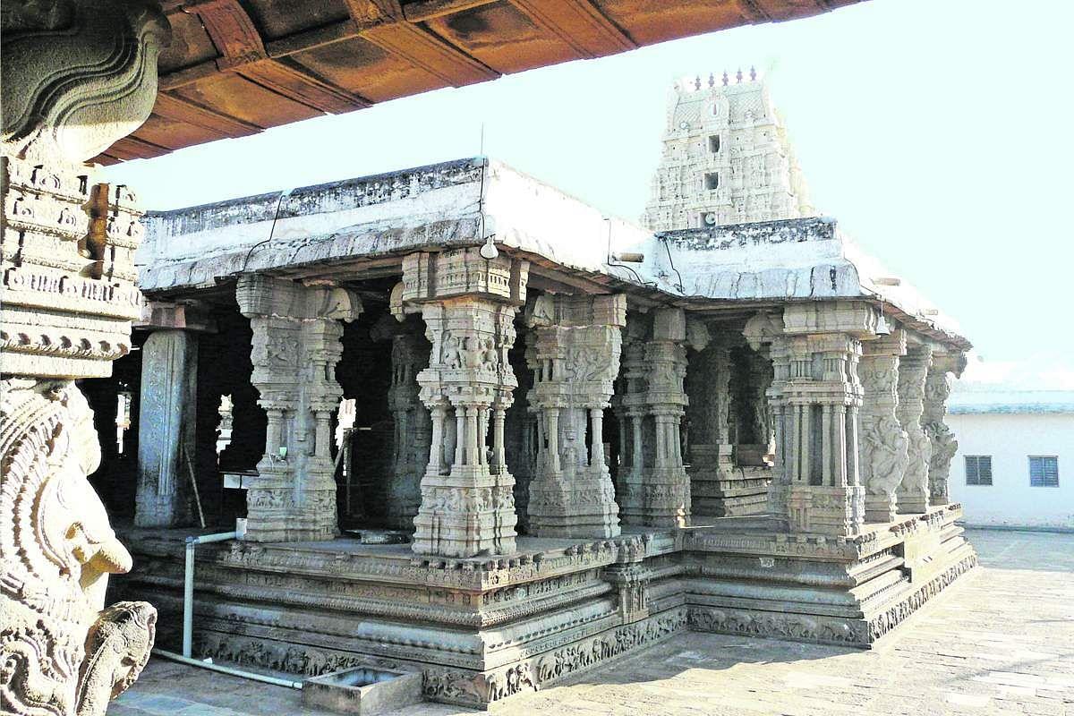 Nava_Narasimha_Temple-5