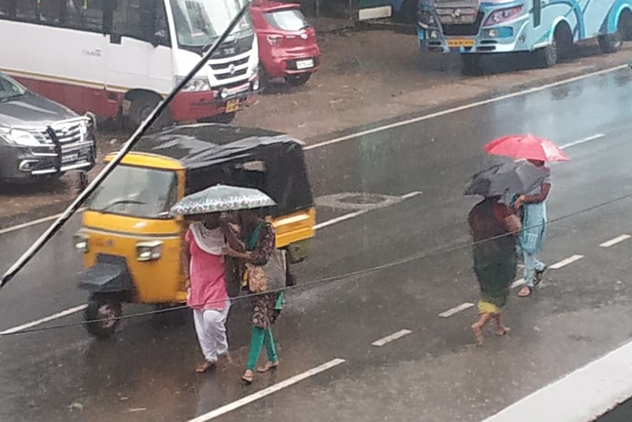 IMD issues red & orange alerts to TN
