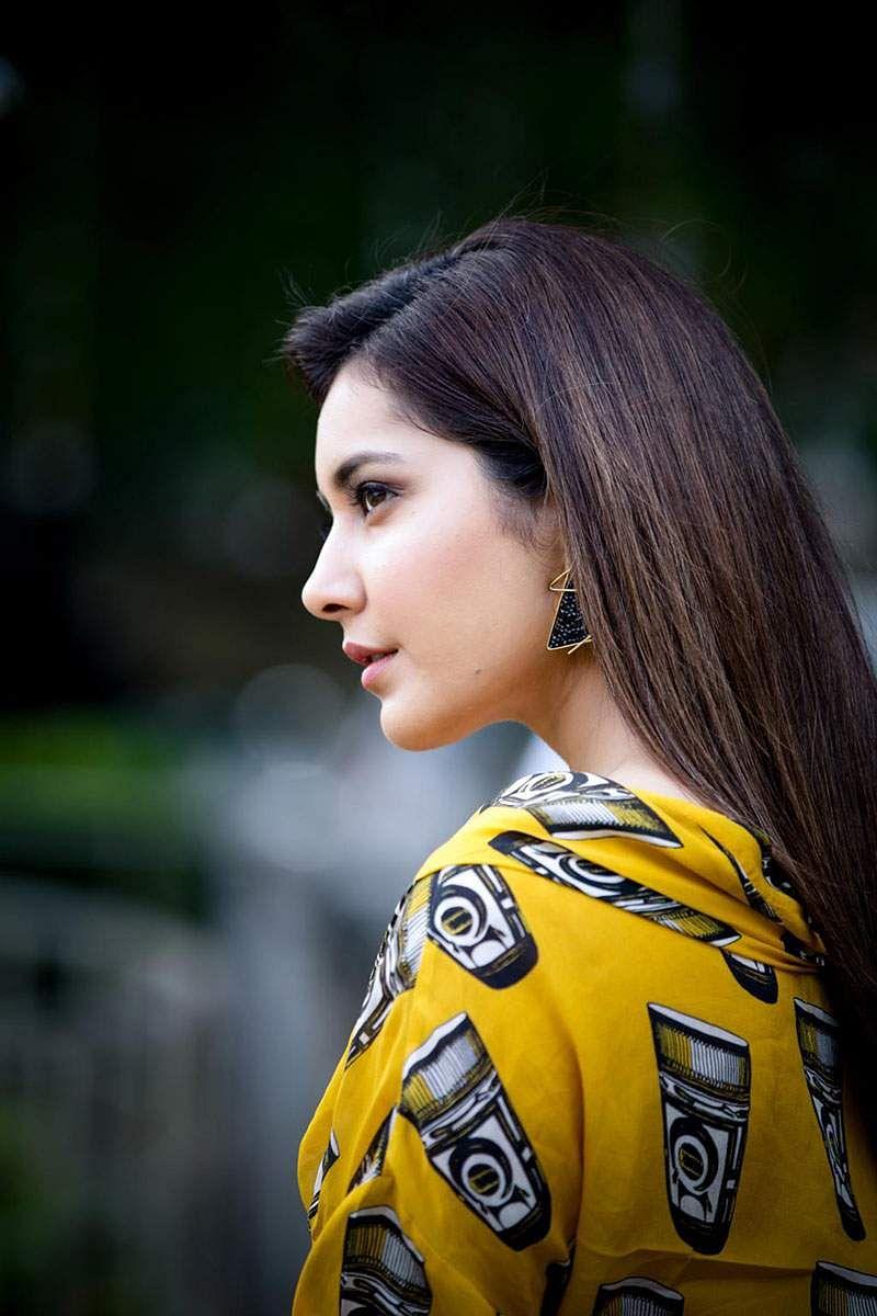 Actress-Raashi-Khanna-Photos-and-Stills-6