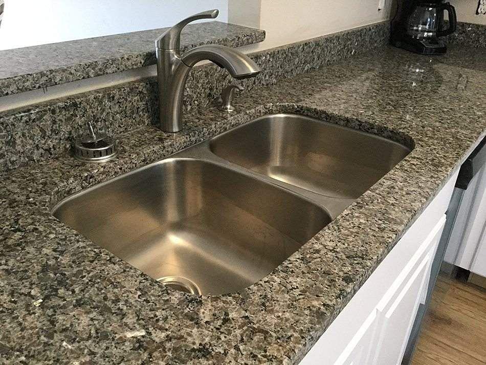 unclogg_kitchen_sink