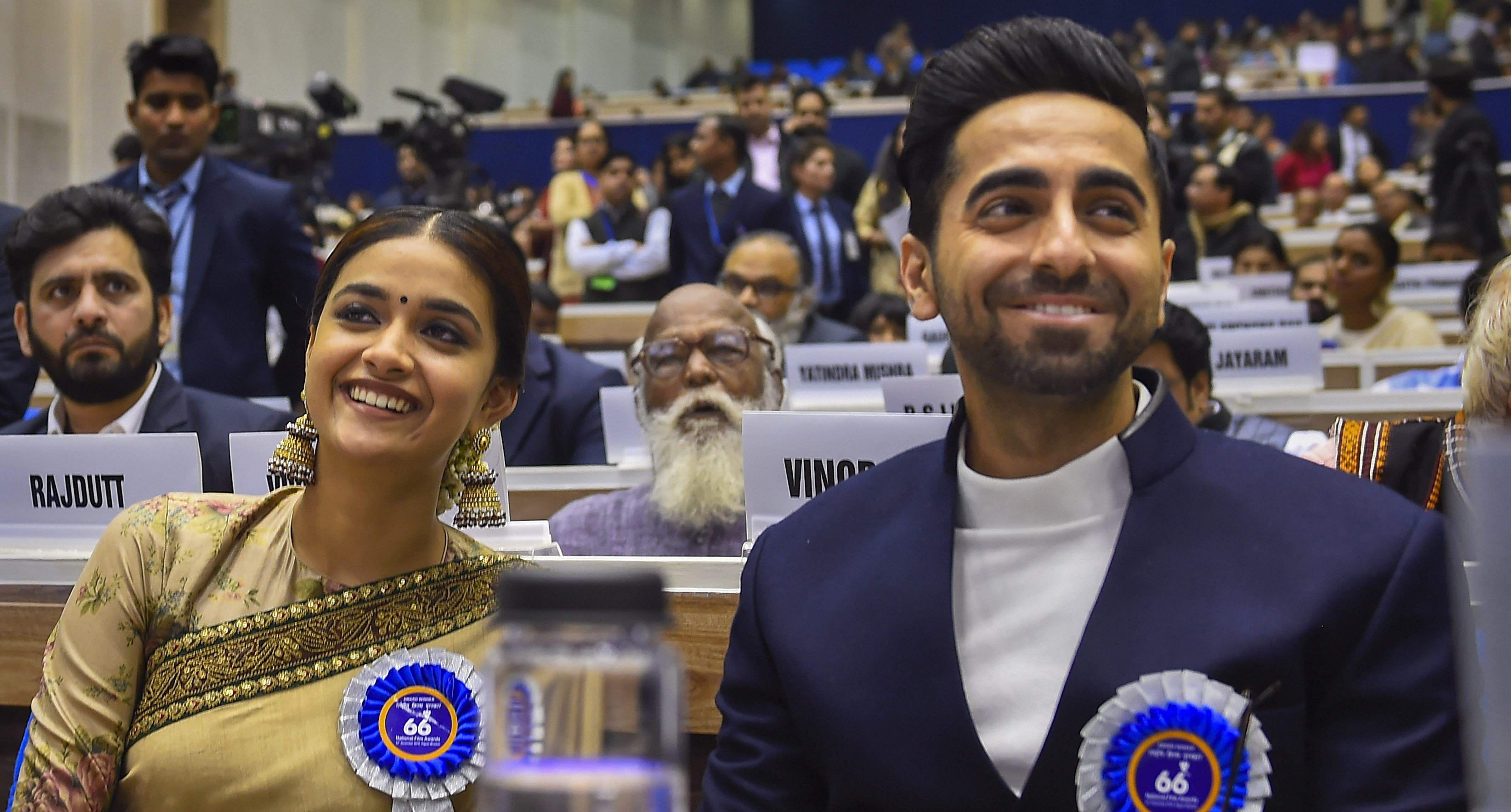 தேசிய திரைப்பட விருது வழங்கும் விழா தில்லியில் இன்று நடைபெற்றது.  Keerthy_1_PTI12_23_2019_000082A