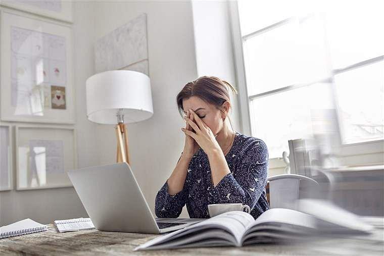 180320-workplace-stress-al-1233_4044ea14f8d750a8c1d4a1563fd1fdc6