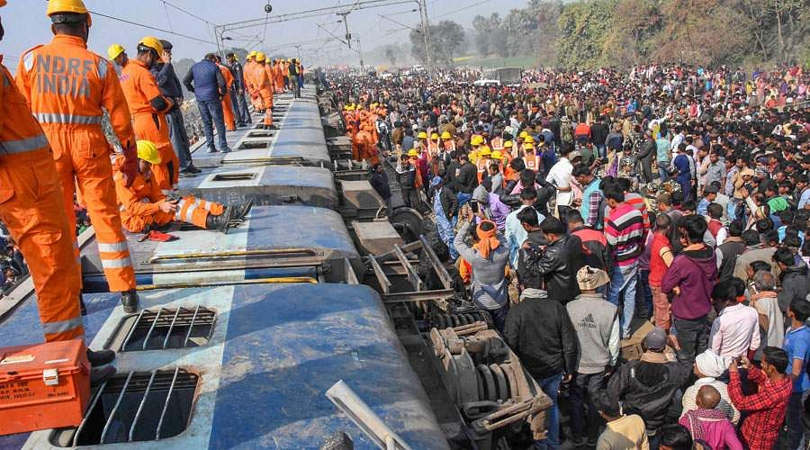 train-accident-2
